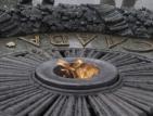 Три години затвор за момиче, пържило яйца на вечния огън в Киев