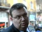 Така не може - да се стреля пред съда, възмути се Цацаров
