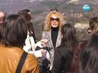 Ищар дари пари за български манастир