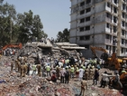 Поне 40 индийци загинаха в срутил се блок