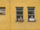 Затворник заплашва да се самоубие в Бургас