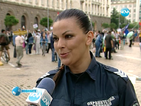 Полицай Витанова за реда, протестите и подарените цветя