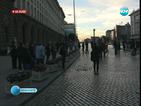 Силният вятър не попречи на протестиращите срещу кабинета