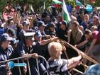 """Преподаватели и учени протестираха заедно с """"Ранобудните"""""""