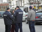 Продължава блокадата на дома на барикадиралия се мъж в Черниче