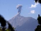 Вулканът Фуего в Гватемала е увеличил активността си