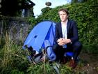Стажант в ООН принуден да спи в палатка, не му плащали