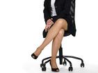 Продължителното седене с кръстосани крака е вредно за гърба