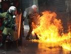 Сблъсъци между протестиращи и полицията в Атина (ВИДЕО + СНИМКИ)