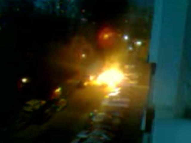 Запалиха се коли