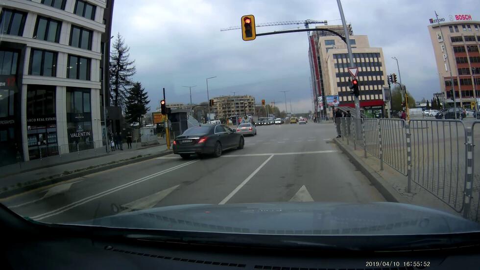 Навлизане в кръстовище на червен светофар