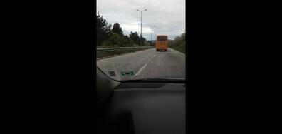 Превишена скорост на училищен автобус