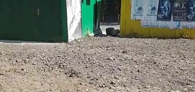 Детска площадка, покрита с фрезован асфалт
