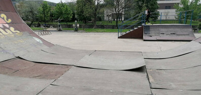 Безхаберие на детска площадка