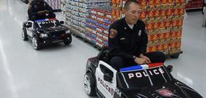 СМЯХ В УНИФОРМА: Как се забавляват полицаи в работно време? (ГАЛЕРИЯ)