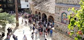 Хиляди вярващи се събраха в Троянския манастир за Успение Богородично