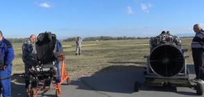 """Стотици наблюдаваха атрактивен бой в небето над авиобаза """"Граф Игнатиево"""" (ВИДЕО+СНИМКИ)"""