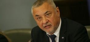 СЛЕД ПОИСКАНАТА ОСТАВКА: НФСБ защити Валери Симеонов