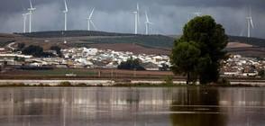 Една жертва на лошото време в Испания (ВИДЕО+СНИМКИ)