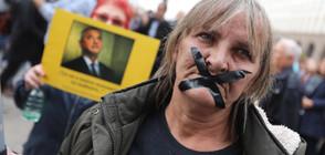 Протестите срещу Валери Симеонов продължават