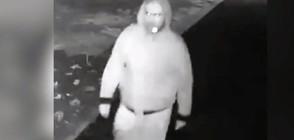 ДРЪЖТЕ КРАДЕЦА: Мъж отмъква саксии пред жилищни блокове (ВИДЕО)