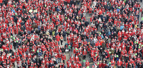 20 000 души, облечени като Дядо Коледа, се събраха в Торино
