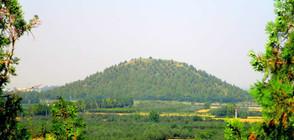 Мистериозни пирамиди, сочещи към звезди, откриха в Китай