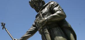 Защо изгаснаха очите на паметника на цар Самуил?