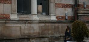 Неизвестен мъж изпочупи с камъни прозорци на Софийската синагога (ВИДЕО)