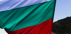 Гражданско поклонение и военен ритуал за празника в Ловеч