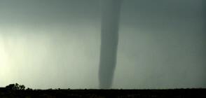 Расте броят на жертвите от мощните бури в САЩ