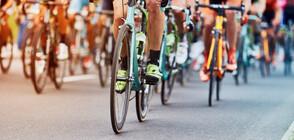 Обучават ученици за движението на камиони и велосипеди на пътя