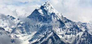 Три тона боклук бяха събрани под връх Еверест
