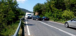 Верижна катастрофа блокира движението между Симитли и Кулата
