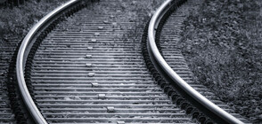 Мъж скочи под теснолинейката във Велинград и загина