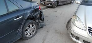 Млада шофьорка заспа зад волана и блъсна два автомобила