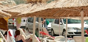 Пешеходната зона в Балчик се превърна в паркинг
