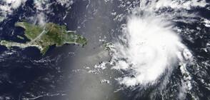 """Ураганът """"Дориан"""" се усилва, туристи бягат от Бахамите"""