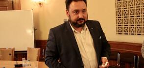 Извикаха линейка за шефа на БНР, прилошало му