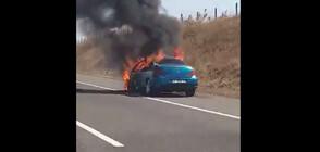 "Кола се запали на АМ ""Тракия"" (ВИДЕО)"