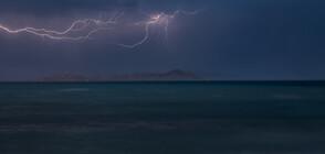 """Бурята """"Виктория"""" удари цяла Гърция (ВИДЕО)"""