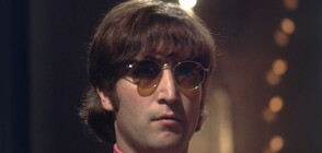 Продадоха на търг кръглите очила на Джон Ленън (СНИМКИ)
