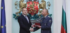 Радев удостои български военнослужещи с висши военни звания (ВИДЕО+СНИМКИ)