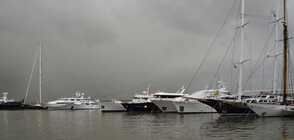 Затвориха пристанища в Гърция заради силни ветрове