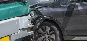 Тежка катастрофа с автобус и две коли в Русия, има пострадали