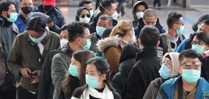 ПАНИКА: Хиляди на опашка за хирургически маски (ВИДЕО)