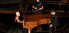 """""""РОДИ СЕ ЗВЕЗДА"""": Невероятно изпълнение на песента на Лейди Гага и Брадли Купър в лондонското метро (ВИДЕО)"""