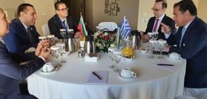 Караниколов и гръцкият му колега обсъдиха активизиране на икономическото сътрудничество