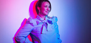 Galia от дует КариZма в тематична фотосесия за сп. EVA