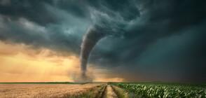 Бури-торнадо пометоха 3 американски щата (ВИДЕО)